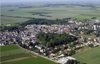 Vue aérienne de la commune de Pussay.