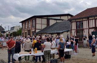 Le samedi 19 septembre 2020, rassemblement des visiteurs lors du discours de présentation de Jean-Marie Vilain, maire de Viry-Chatillon.